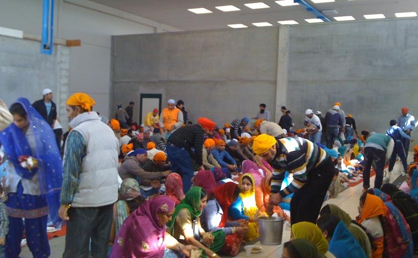 दिल्ली हिंसा के बीच मानवता कीमिशाल