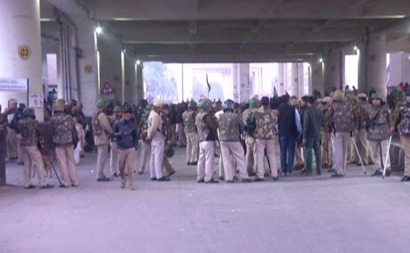 अब दिल्ली के जाफराबादी में प्रदर्शन, मेट्रो स्टेशन बंदकिया