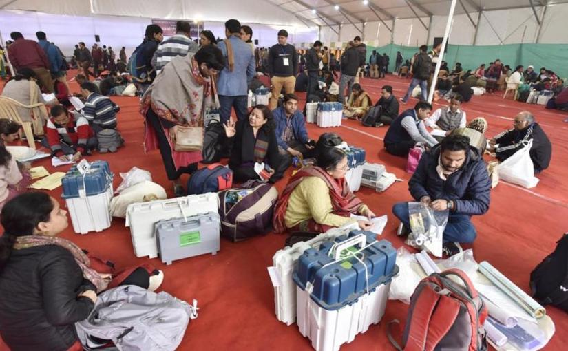 आम आदमी पार्टी ने चुनाव आयोग पर लगाएआरोप